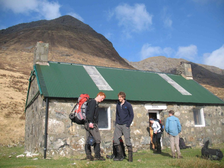 Marvelling at the blue skies on day 2 at Dibidil bothy., 153 kb