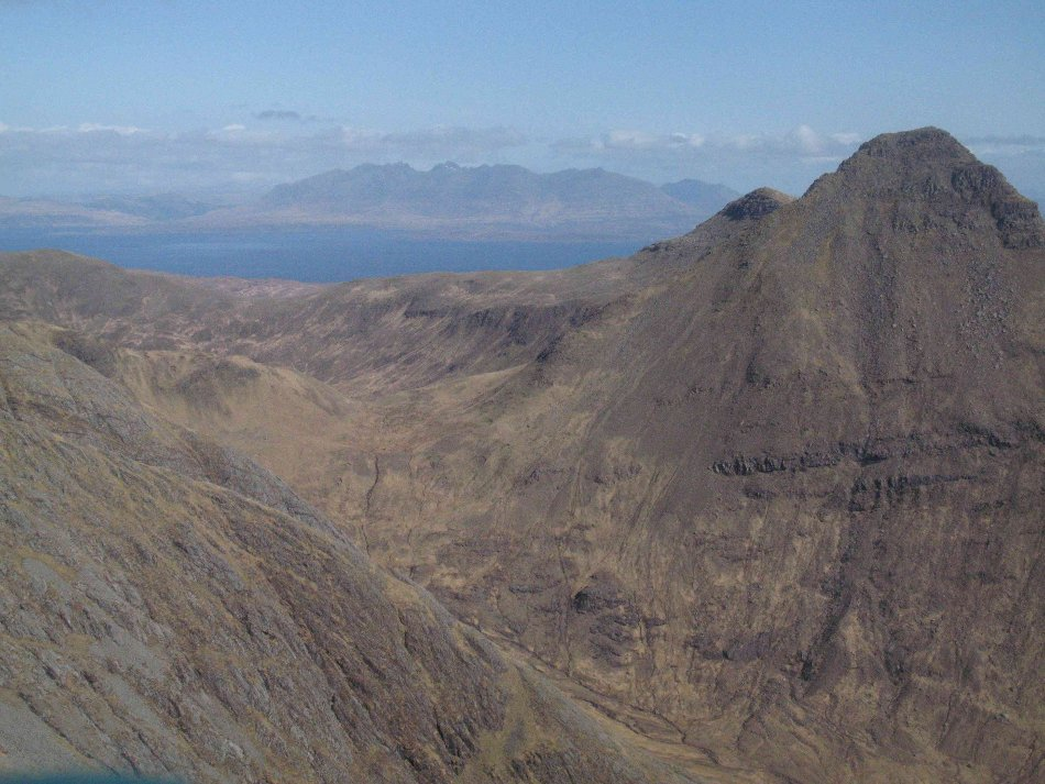 Askival from Sgurr nan Gillean. It always looks like this, honest., 134 kb