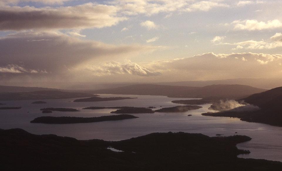 Loch Lomond from Ben Lomond, 52 kb