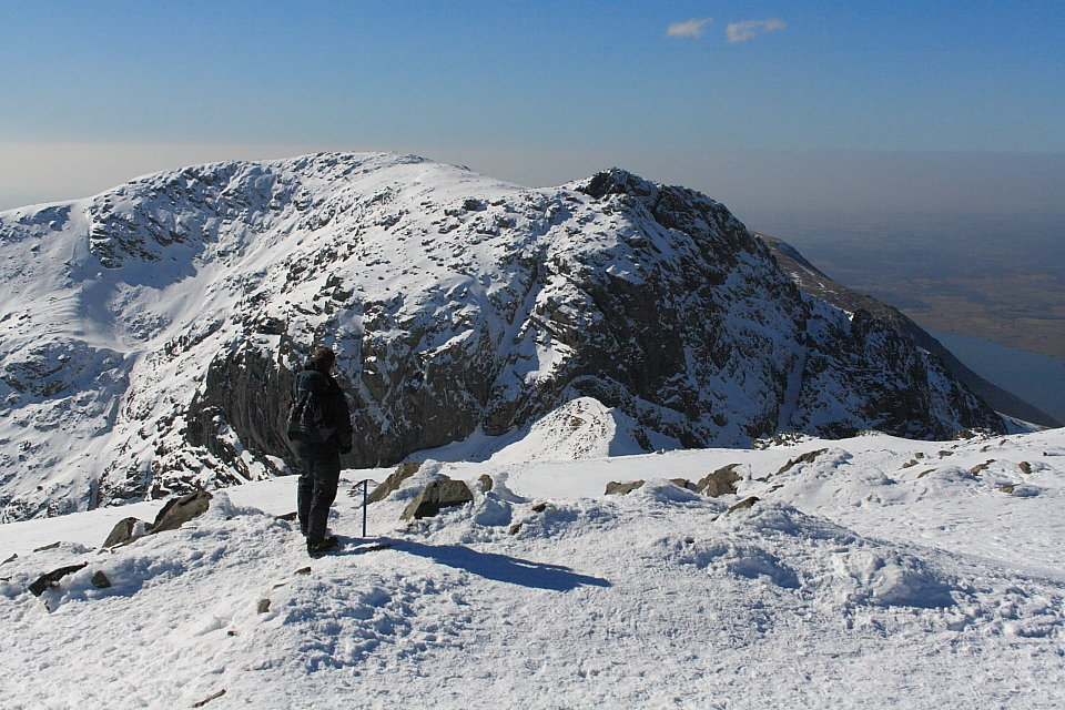 Scafell from Scafell Pike, 188 kb