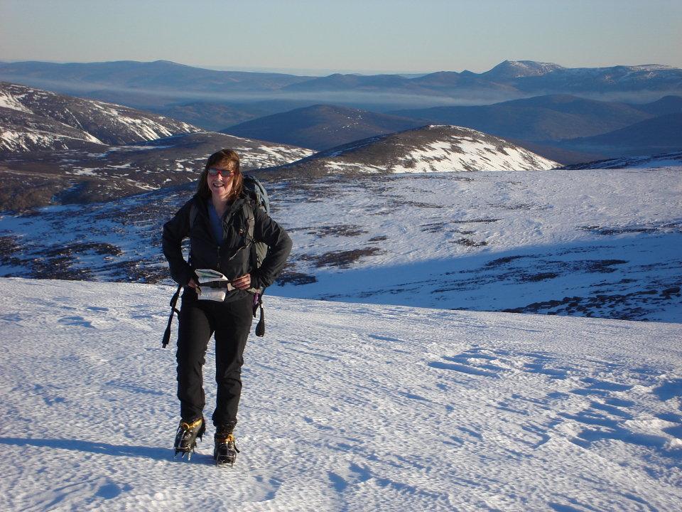 Lochnagar from Ben Macdui, 184 kb