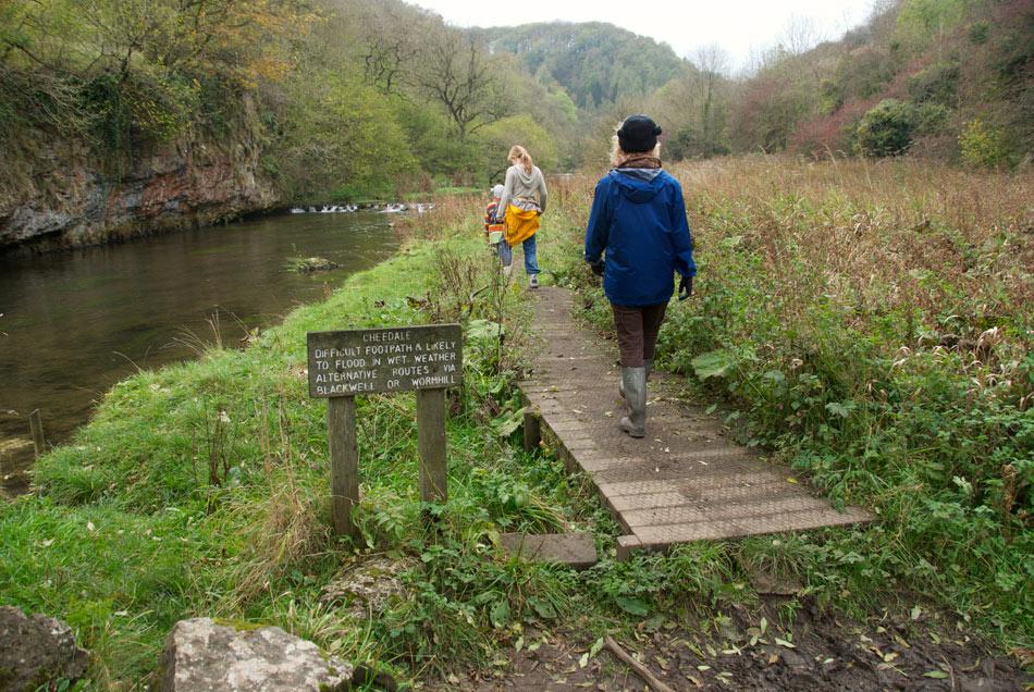 Chee Dale Monsal Trail Walk - the boardwalk, 216 kb