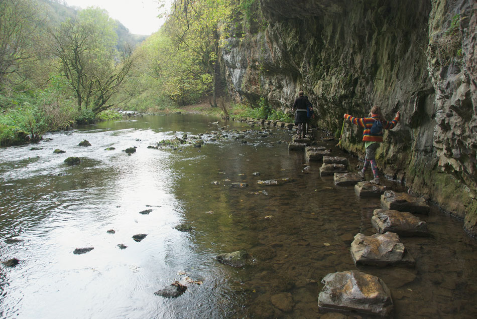 Chee Dale Monsal Trail Walk - stepping stones under Max Wall, 176 kb