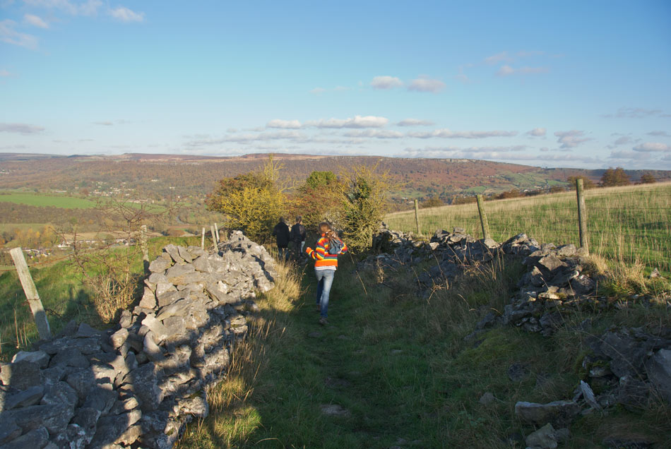 Coombs Dale Calver, Family Walk - the ridge back down to Calver, 132 kb