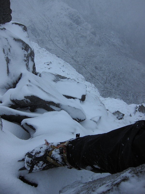 Mountaineering terrain, for which 12-point crampons are ideal, 77 kb