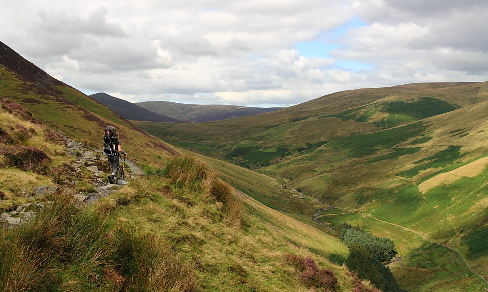 Heading up the Glenderaterra path into the Skiddaw Forest, 142 kb