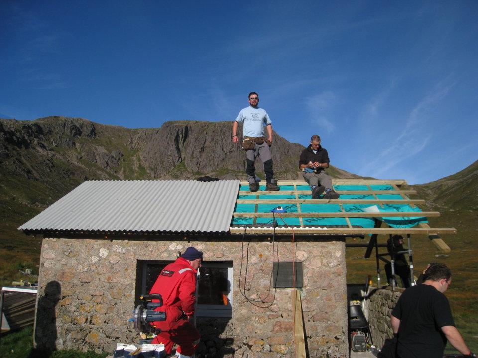 The roof progresses, 129 kb