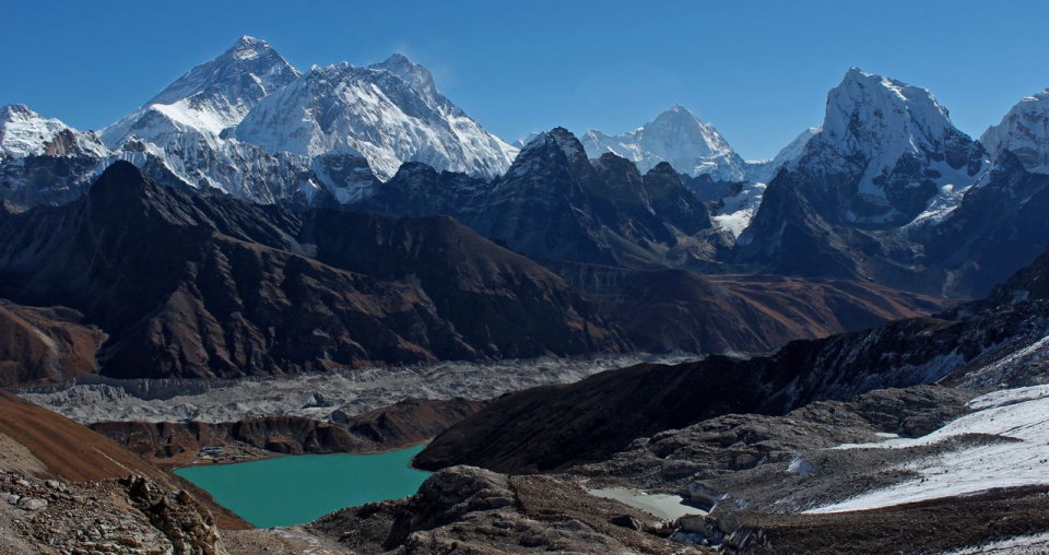 View from the Renjo La; Everest, Lhotse, Nuptse and Makalu with Goyko in the foreground. , 107 kb