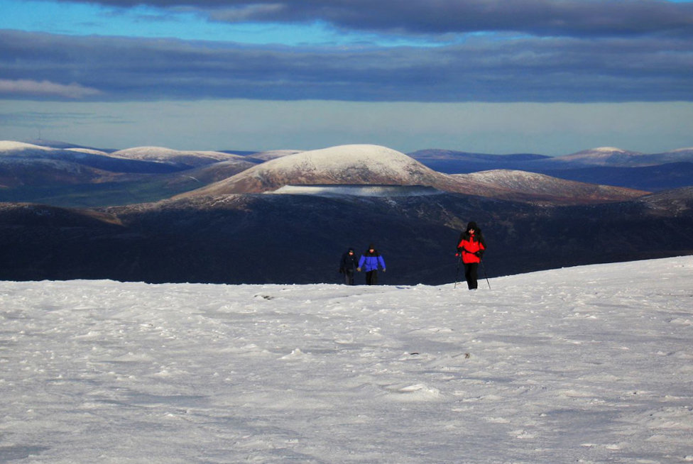 Climbing Lugnaquillia in winter, the highest mountain in Co.Wicklow, 124 kb