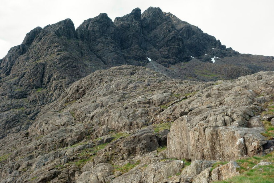 Pinnacle Ridge in profile, 164 kb