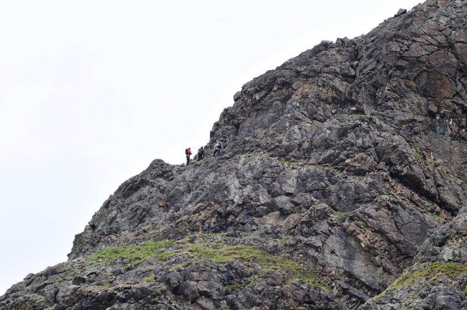 The big Hex team start up Pinnacle Ridge, 145 kb