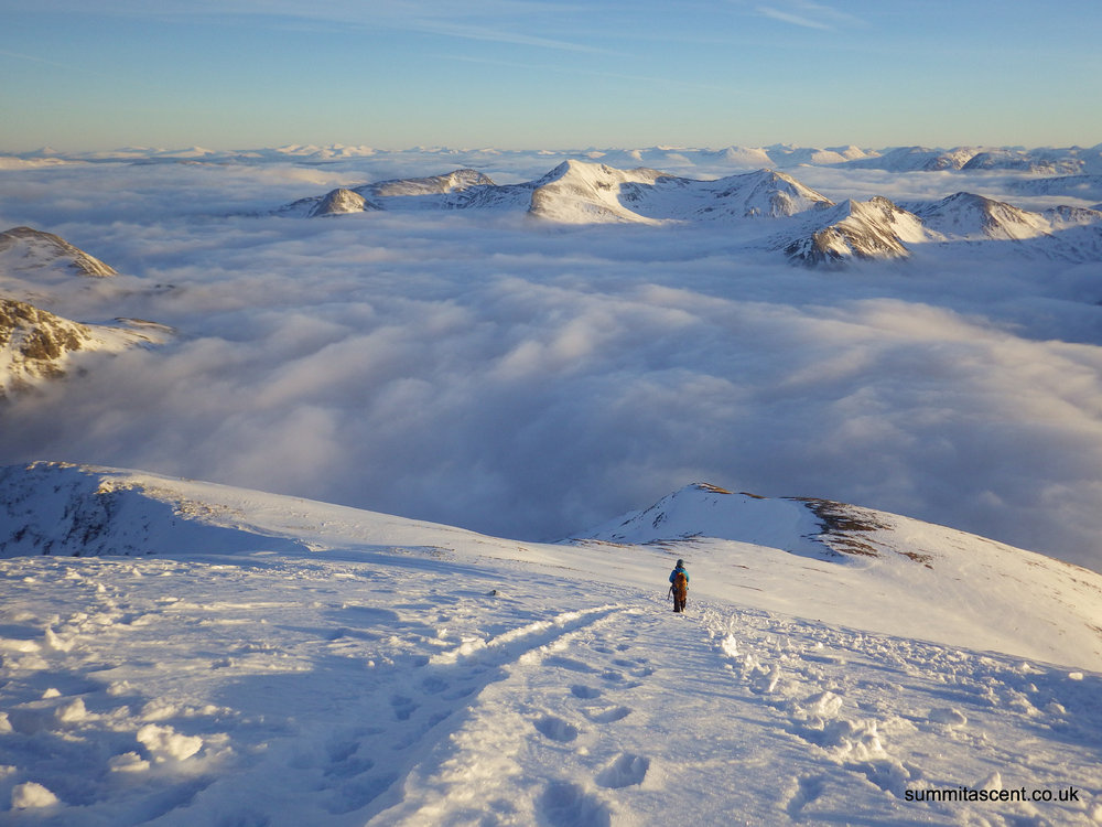 Descending to the CMD arete from the summit of Ben Nevis, 157 kb