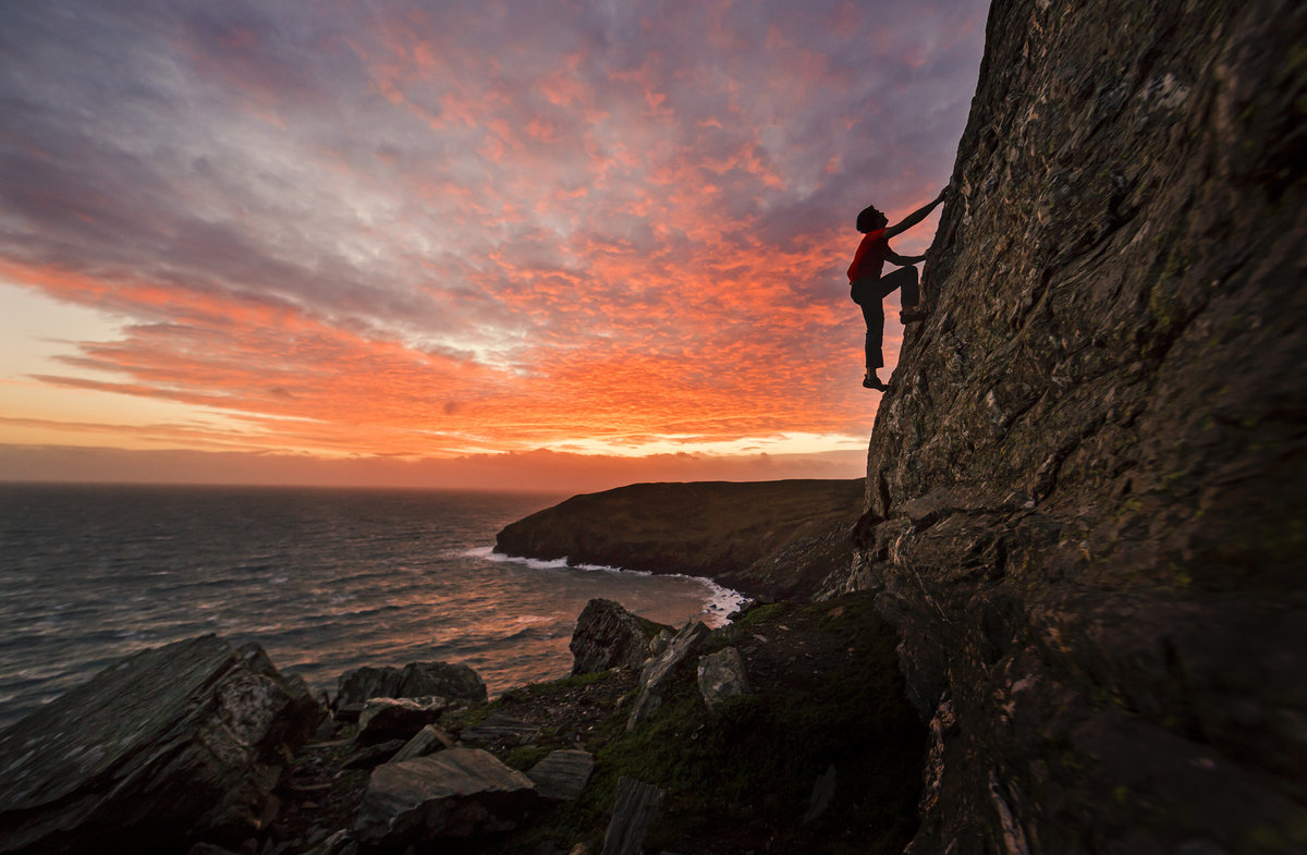 Sunset soloing on Jim's Arete at The Chasms, 204 kb