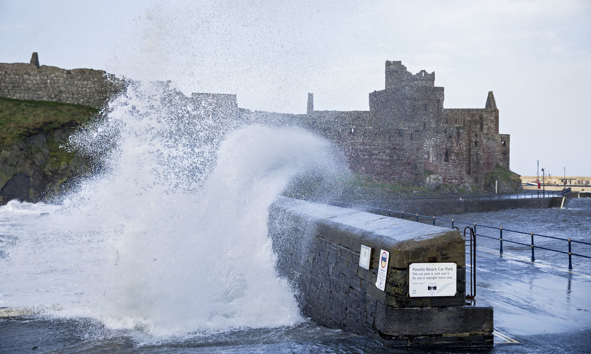 The harbour wall training venue in Peel in less than favourable conditions, 224 kb