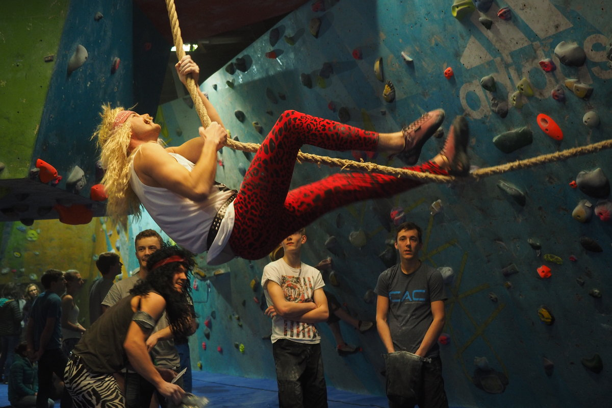 Fancy Dress at the CWIF: A tradition, 180 kb