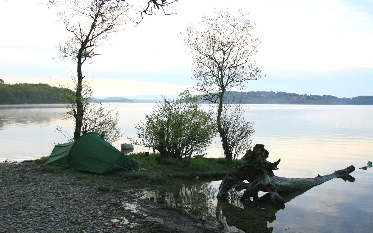 Wild camping by Loch Lomond - now an offence under the Park's bylaws, 191 kb